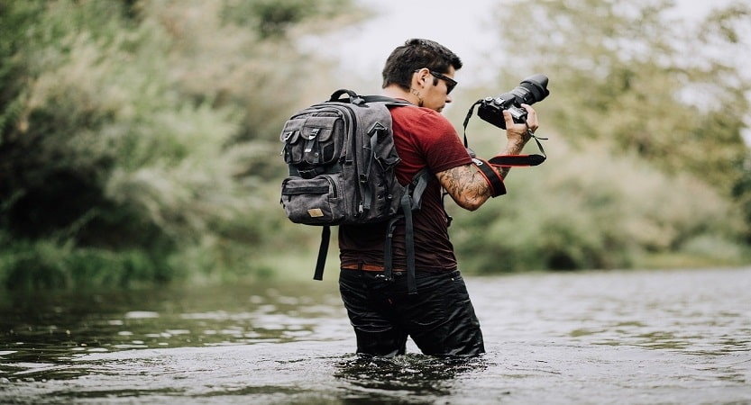 Keep a track on travel photographers