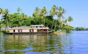 Kerala Backwaters Houseboat Guide for Honeymoon Couple | All You Need To Know